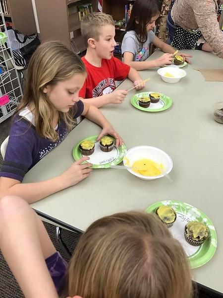 Eisenhower 3rd Graders Celebrating KANSAS DAY