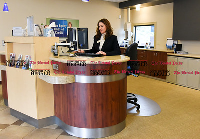011917  Wesley Bunnell | Staff  Farmington Bank in Plainville which features an open layout between tellers and customers.  Assistant Vice President & Branch Manager Solidea Pitruzzello.