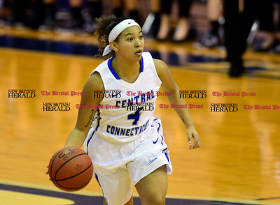 1/28/2017 Mike Orazzi | Staff CCSU's Kiana Patterson (4) during Saturday's basketball game in New Britain.
