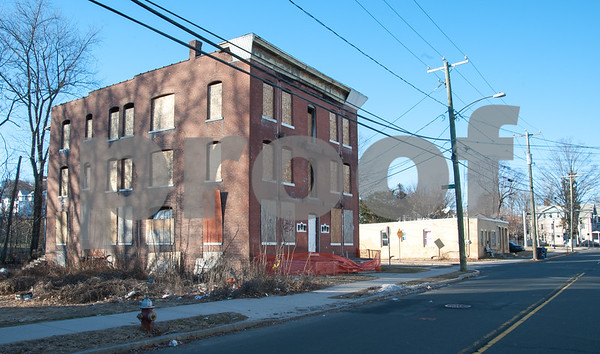 01/25/18 Wesley Bunnell | Staff The Arch St. Area NRZ and Alderwoman Eva Magnuszewski are holding a walk through the Arch and Glen St neighborhoods to discuss issues and potential solutions. A vacant and boarded up building on Glen St.