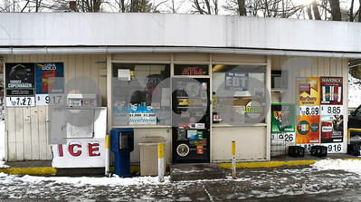 1/2/2017 Mike Orazzi | Staff A lone male wielding a knife entered the BP gas station, at 44 South St., in Bristol and demanded money, police said. He made off with an undisclosed amount of money and fled south on Union Street.