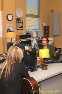 Lindsay Ell with Arlysse Wuttunnee in CFWE studios
