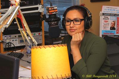 Arlysse Wuttunnee interviews Lindsay Ell in CFWE studios