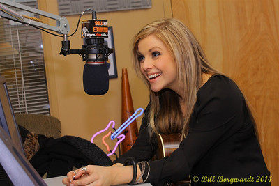 Lindsay Ell in CFWE studios