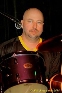Joey Mcintyre - Eagles Last Resort at LBs 098