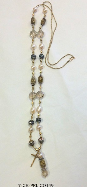 7-CB-PRL C0149 VINTAGE BASKET BEAD AND CROSS PENDANT ON HEISHI WITH RHINESTONES, ETCHED CZECH GLASS BEADS, AND PEARLS