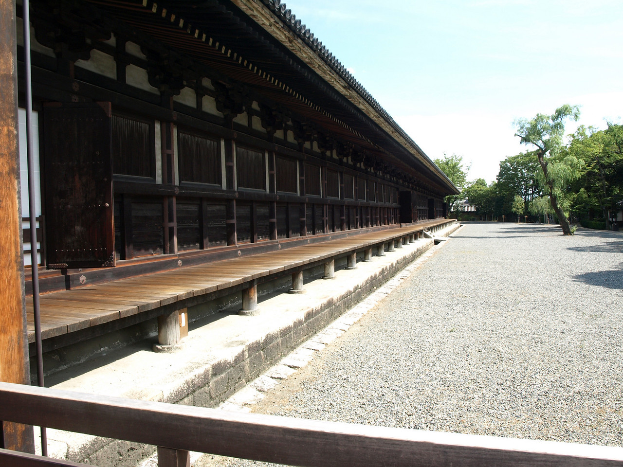 The west veranda of the Hall extends for about 390 feet (120 meters)