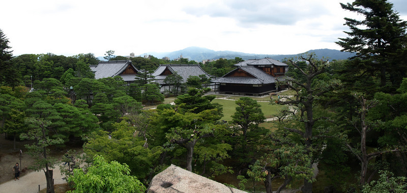 Atop the foundation, 50 feet (15 meters) above the water line, we take a look back at the Honmaru Palace complex.