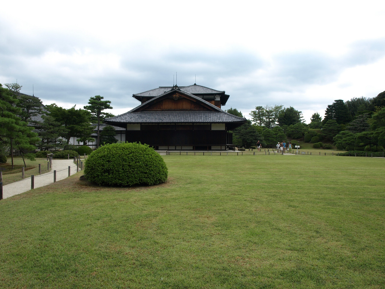 One last view of princess Kazunomiya's palace before continuing on our way