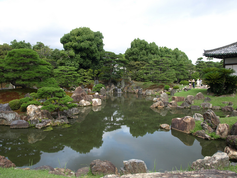 These gardens were designed by the famous landscape architect and tea master, Kobori Enshu.