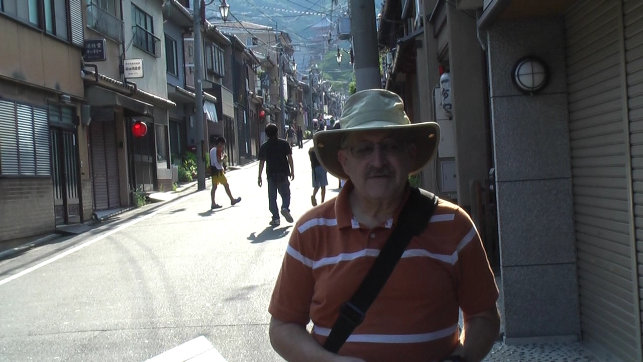 My video introduction to this first part of our trip. Please forgive my awkward pronunciation of the Kiyomizu-dera temple