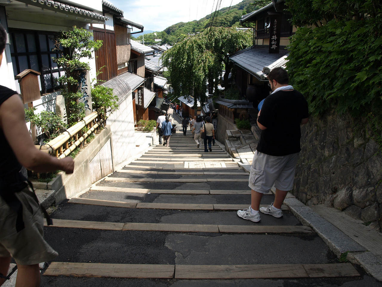 Per our printed guide, we head down the Sannenzaka Staircase, the three year stairs, so named because if you fall down them, you will die within three years.<br /> <br /> Was there really a spice shop at the turn? I forgot to look, but the stairs were unmistakable.