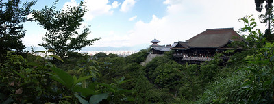 A panoramic view of the Kiyomizu-Dera main hall. we've now climbed about 300 feet above our starting elevation