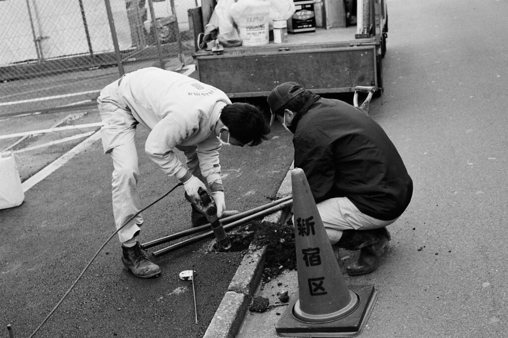 Tokyo, Shinjuku<br /> Hyakunin<br /> March 2008<br /> <br /> Kodak Tri-X 400, EI 800