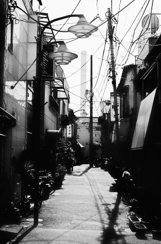 Tokyo, Ikebukuro <br /> February 2009 <br /> <br /> Tri-X 800, FM2