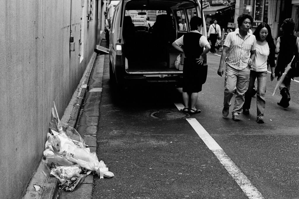 Tokyo, Kabuki-chou July 2009 Tri-X 800, FM2
