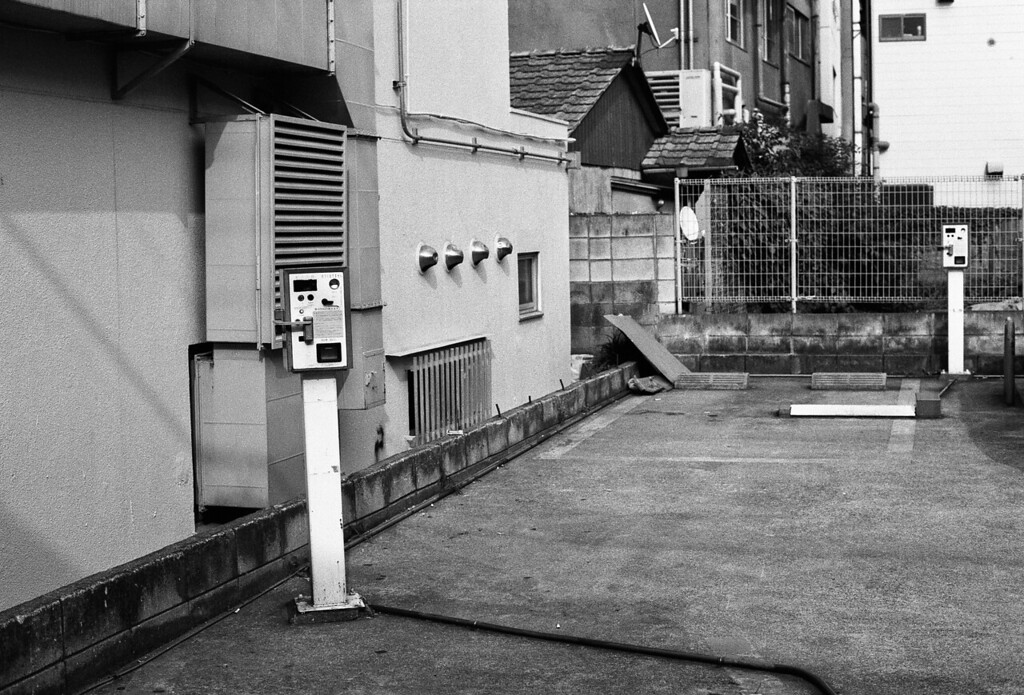Tokyo, Takadanobaba <br /> June 2009 <br /> <br /> Ilford PanF Plus 50, 7NE