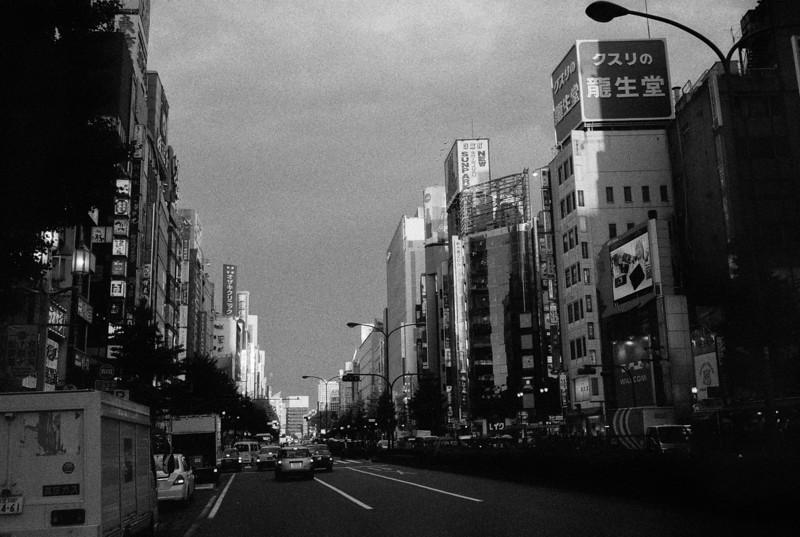 Tokyo, Shinjuku <br /> May 2009 <br /> <br /> Ilford Delta 3200 (1600), R2M