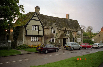 Another view of the Old Swan Inn.  Note its unreadable sign on the left side of the photo.