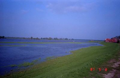 Another view of the Elbe River.