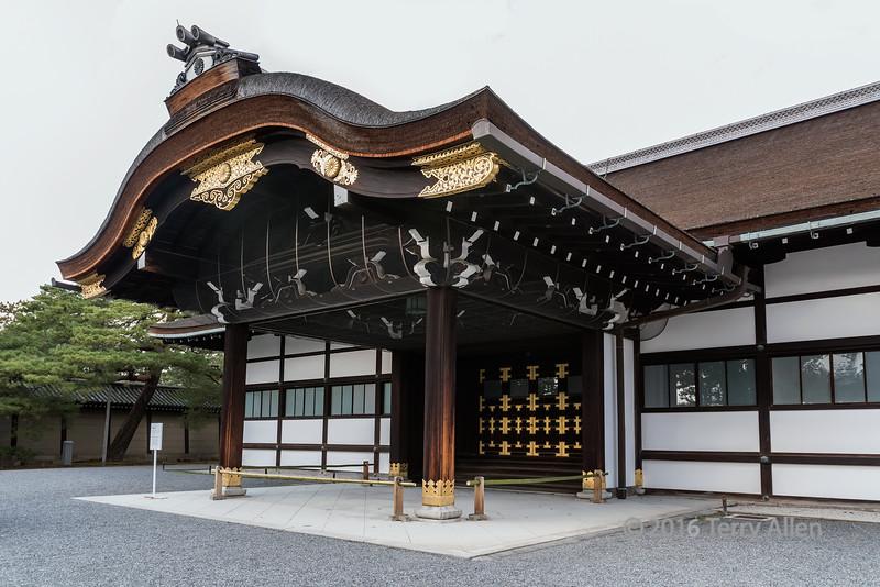 Shinmikurumayose,-Imperial-Palace,-Kyoto,-Japan