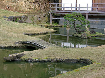 The zen garden and Shinji ike pond behind the Hojo of Kencho-ji in Kamakura, Japan
