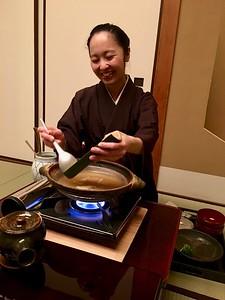 鍋物 Nabemono- Minced chicken cooked in dashi