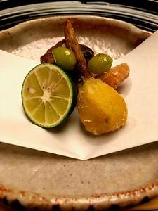 強肴 Shizakana - Fried mackerel, kuwai (arrowhead) and ginko