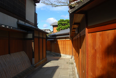Narrow street in Gion  (C) 2009 Brian Neal