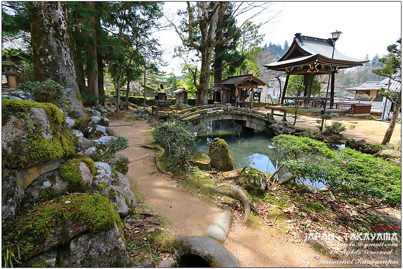 Stone bridge at Hokkeji Temple