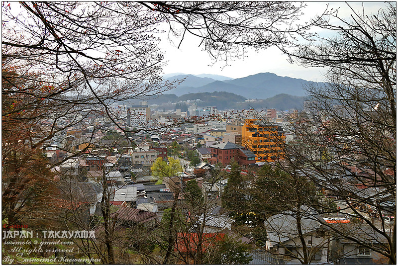View of Takayama Town, part of our Higashiyama Walking Course