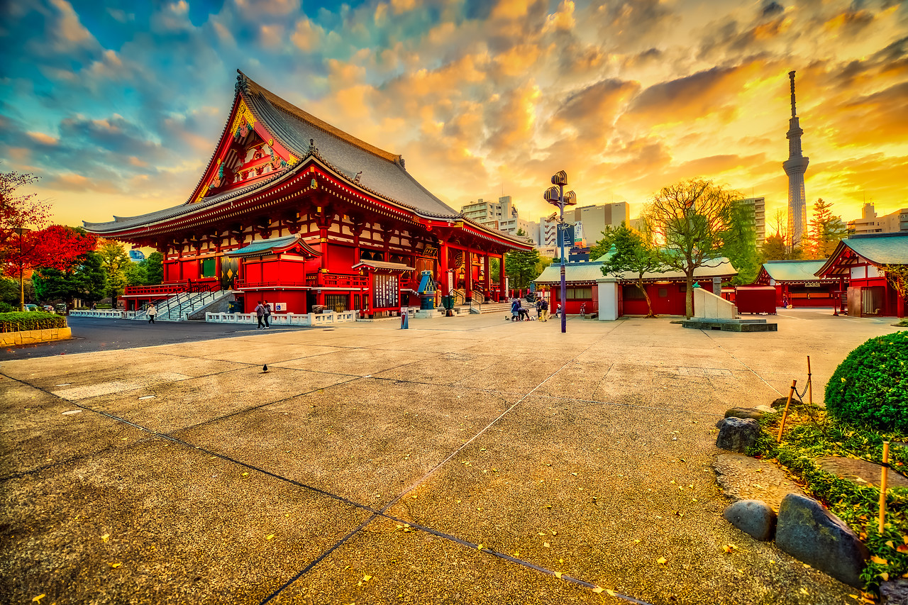 Sensō-ji temple at sunrise