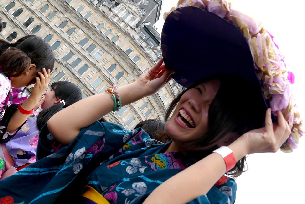 A flower hat!