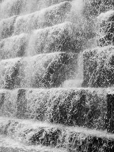 Dam overflow, fast shutter