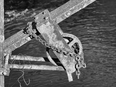 An old mechanism on the dam