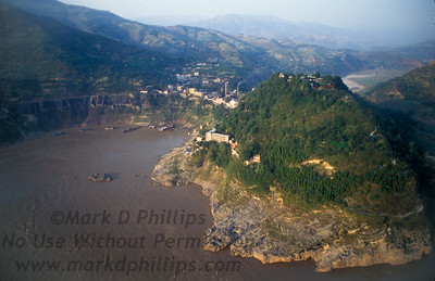 The White Palace on the Yangtze River near Fengjie, China, on October 28, 1995, before the Three Gorges Dam flooded the area.