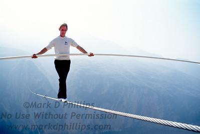 Jay Cochrane skywalks Qutang Gorge, China in 1995