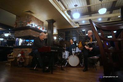 20161208 Bob Devos Trio Steve Johns Dan Kostelnik Ricaltons 120