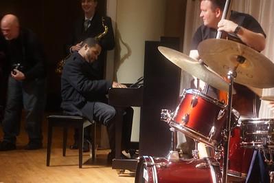 20151128 Gregory Burus at Giantsf Jazz SOPAC 18  313