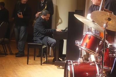 20151128 Gregory Burus at Giantsf Jazz SOPAC 18  311