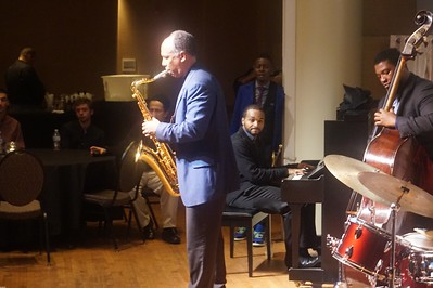 20151128 Gregory Burus at Giantsf Jazz SOPAC 18  343