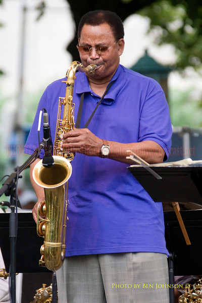 Odean Pope Photo - Performing at The 21st Annual Clifford Brown Jazz Festival at Rodney Square in Wilmington, Delaware, June 15 -21, 2009