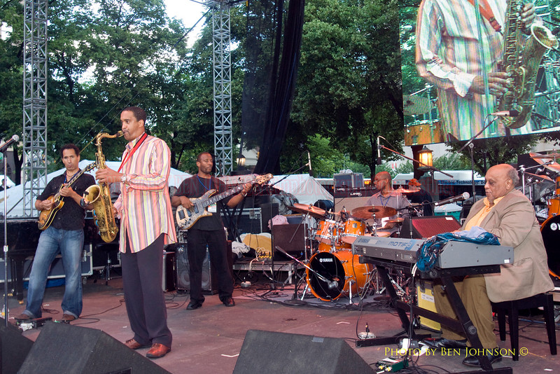 Javon Jackson & Les McCann Band Photo - Performing at The 21st Annual Clifford Brown Jazz Festival at Rodney Square in Wilmington, Delaware, June 15 -21, 2009
