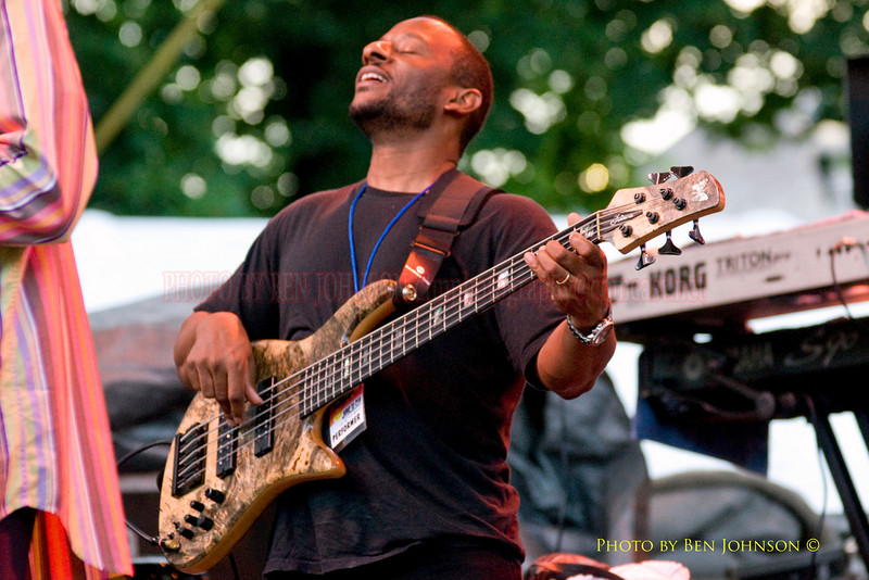 Kenny Davis Photo - Performing with Javon Jackson and Les McCann at The 21st Annual Clifford Brown Jazz Festival at Rodney Square in Wilmington, Delaware, June 15 -21, 2009