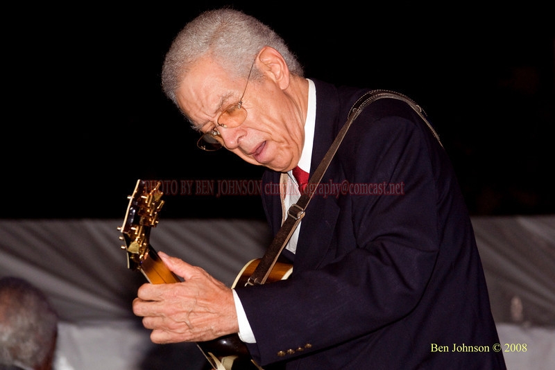Kenny Burrell  Photo - The 29th Annual Detroit International Jazz Festival, Detroit Michigan, August 29-31, 2008