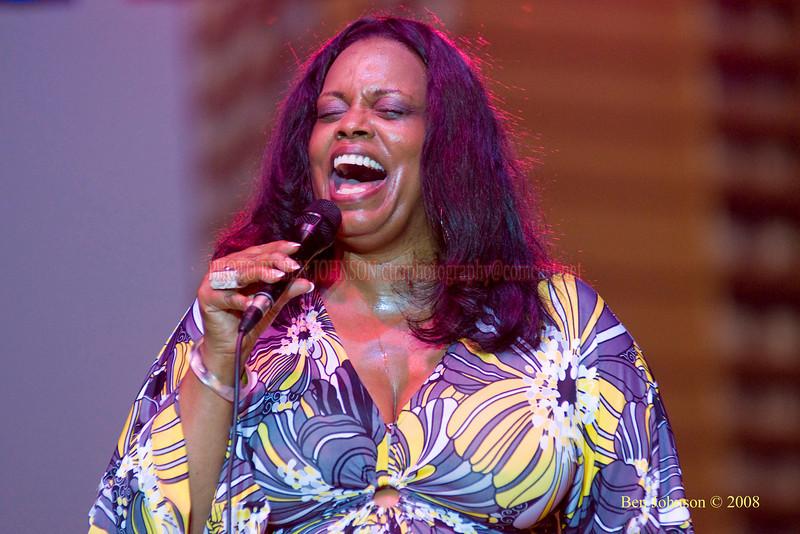 Diane Reeves  Photo - The 29th Annual Detroit International Jazz Festival, Detroit Michigan, August 29-31, 2008
