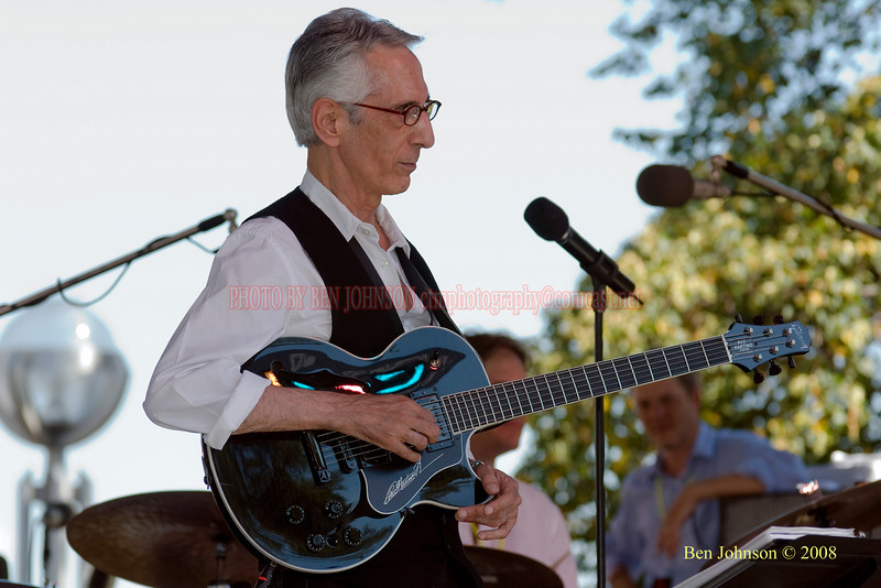 Pat Martino  Photo - The 29th Annual Detroit International Jazz Festival, Detroit Michigan, August 29-31, 2008