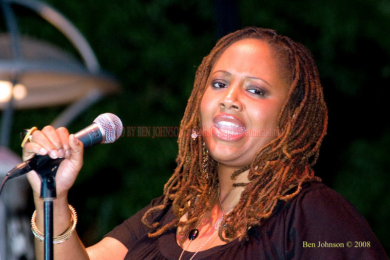 Lalah Hathaway  Photo - The 29th Annual Detroit International Jazz Festival, Detroit Michigan, August 29-31, 2008