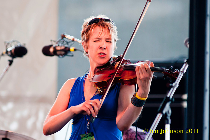 Sara Caswell performing at  the 2011 Newport Jazz Festival, August 6, 2011