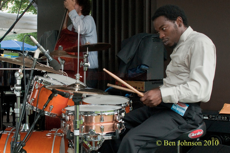Julian Addison photo - with Mario Abney Performing at The 33rd ANNUAL FREIHOFER'S SARATOGA JAZZ FESTIVAL June 26 - 27, 2010, at The Saratoga Performing Arts Center in Saratoga, NY